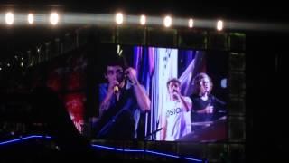 Niall singing Beautiful Girls/Stand By Me Pasadena Rosebowl 9/13/14