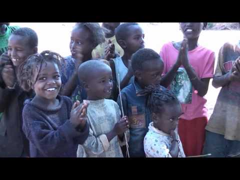First a song, than a caramello Ethiopian kids are singing