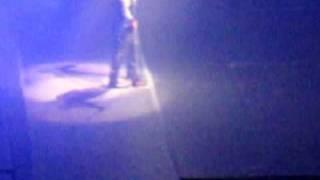 Adam Lambert singing STARLIGHT by MUSE!!!! (Chicago 9/2/09)