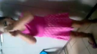 Layla dançando drum n bass