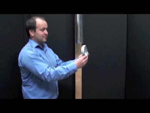 Montáž objímky svodu do dřeva