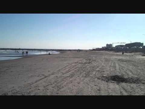 GalvestonBeachTx-KrackersFamily-TheZuell.wmv