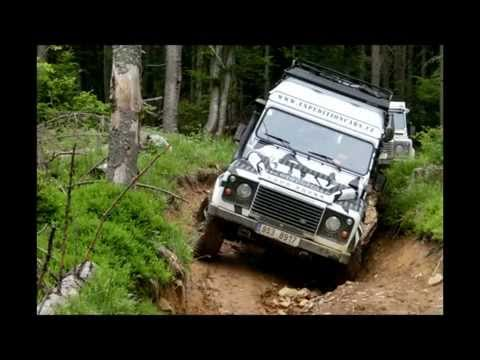 Land rover Defender off road driving – the best of 2012