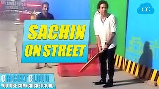 SACHIN STUNS STREET CRICKETERS -  Started Playing with them on Mumbai Streets !!