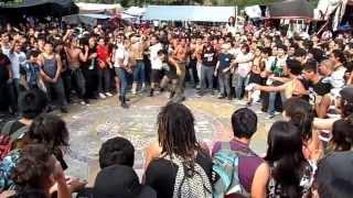 """""""la mugrosa ska"""" (la tres) a bailar ska en el tianguis cultural."""