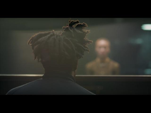 """Vídeo de la canción """"(No one knows me) Like The Piano"""" de Sampha."""