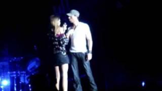 Enrique Iglesias live at Belgrade's Arena ( 22.05.2009) - Enrique picking a girl for Hero