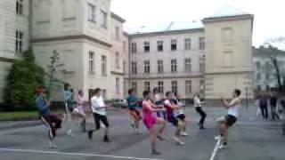 MGO 2010- Poslední hodina tělocviku 4.B a 8.A- Céčka sbírá céčka