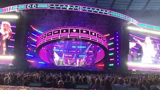 SPICE GIRLS - Wonderwall/We Will Rock You (Spice World Tour - Etihad Stadium, Manchester - 1st June)