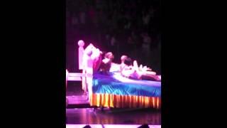 Miley Cyrus-Get It Right (Live @ Bangerz Tour)