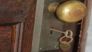 This apartment has not  opened  since 1939  After 70 years A surprise no one believed