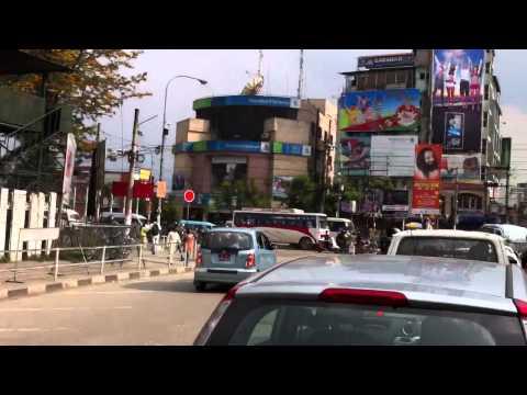 Суматошный трафик в Катманду