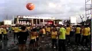 Turma do barulho no Samba Recife ao som do revelação