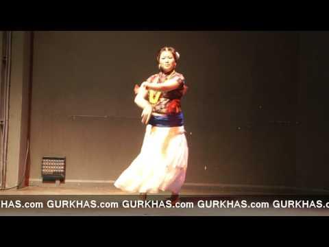 Paluwa Paluwa bhari,Miss UK Nepal 2011, Bijaya Gurung (Talent Round)