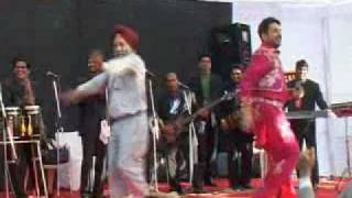 must see , awesome dance by baba g on gurdas maan live show