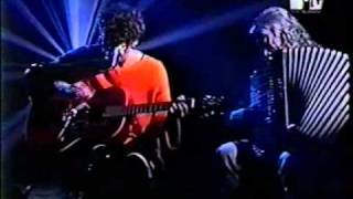 L. A. Spinetta  - 05. La miel en tu ventana  (Mtv unplugged)