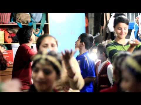 2010-10-22 – Pokhara, Nepal – Rainbow Children Home. Despedida de Massi