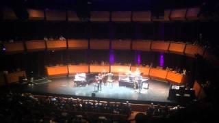 Milton Nascimento - Nos Bailes Da Vida (live in New York)
