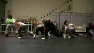 LEOS HIP HOP DANCE CLASS DADDY YANKEE 'POSE'