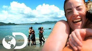 Supera la prueba con una pierna | En la Isla con Bear Grylls | Discovery Latinoamérica