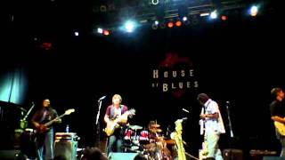 "Electric Attitude @ House of Blues - ""Don't Walk Away"""