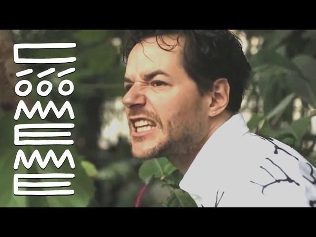 """Videoclip oficial de la canción """"El Sucu Tucu"""" de Matias Aguayo."""