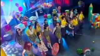 """Astros - Elenco de Carrossel canta """"Mexe Mexe"""""""