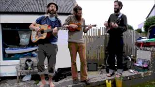 Harry Bird & the Rubber Wellies // The Butterfly Song (Live on Iona)