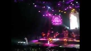 Romeo Santos- Dile al Amor (LIVE)