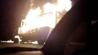 Caminhão pegando fogo