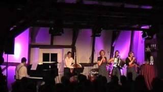 """Satin Dolls """"Bei mir bist du schön"""" - live in der Burg Bielstein10/2010"""