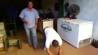Abrindo cerveja na Botina - Paracatu MG