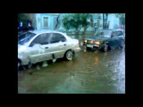 3 GUYS PULL BMW 520!  ODESSA FLOOD  May 24th 2012