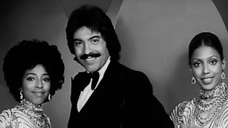 Tony Orlando & Dawn -  Tie A Yellow Ribbon 'Round The Ole Oak Tree