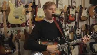 Alcaline, le Bonus Web : George Ezra - Budapest en live