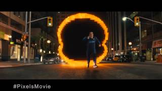 How Pixels' Director Chris Columbus Made Arcade Games Larger Than Life | IMDb EXCLUSIVE