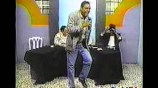 Comedia Dominicana: Nelson Del La Rosa Bailando Merengue