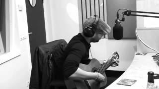 William Araujo zingt live bij Latin Life
