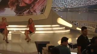 Claudia Leite cantando parabéns pra Vanessa Kimie (^)