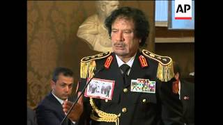 Gadhafi, Somali PM comment on piracy crisis