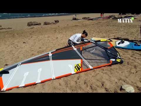 Sanaa El Arbaoui, l'unique windsurfeuse au Maroc