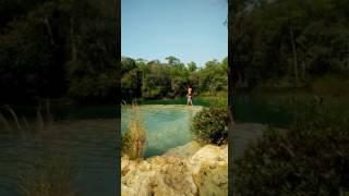 bailando en la cascada