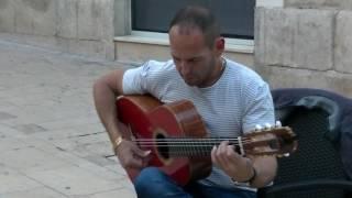 STREET GUITAR PLAYER , ALICANTE, SPAIN. McD'AGO