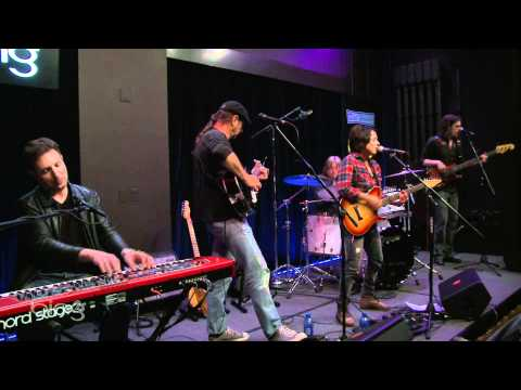 vicci-martinez-touch-the-fire-live-in-the-bing-lounge-kink-radio