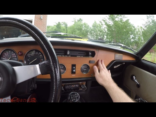 1977 Triumph Spitfire 1500 Review - Is a 40 Year Old Car Still Fun?
