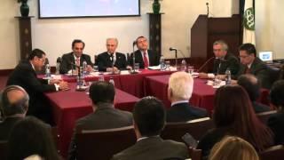 El derecho en la paz  Alfonso Clavijo