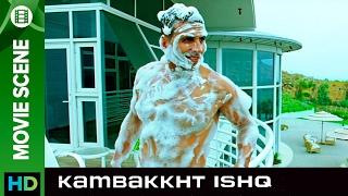 The secret chanter | Kambakkht Ishq | Movie Scene
