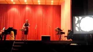 Marrakesh night market- Loreena Mckennit (Live performance)