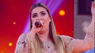 Naiara Azevedo canta Shakira
