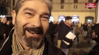 """Sardine in piazza: """"Non votavo,  ma ora non posso stare a casa"""", """"Ma Pd non ci sfrutti"""""""
